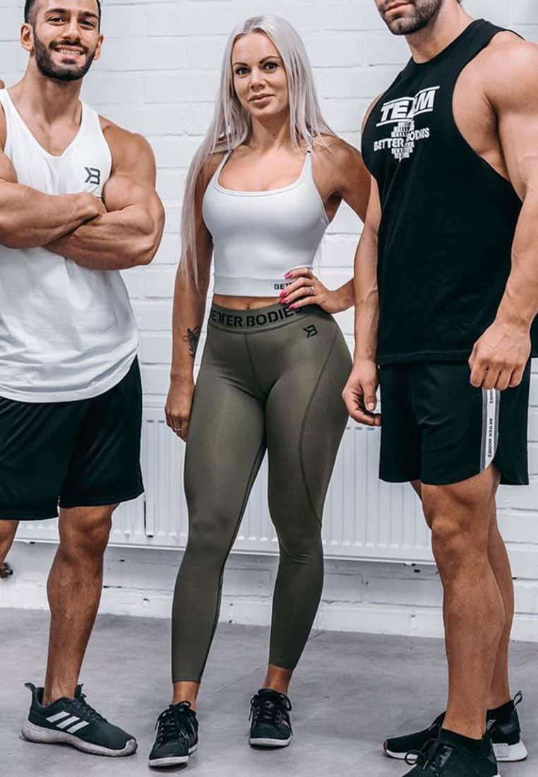 biustonosz-sportowy-push-up-bialy