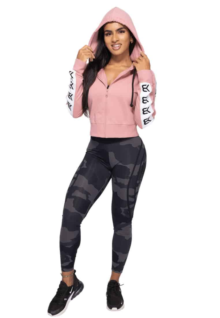 elegancka-bluza-sportowa